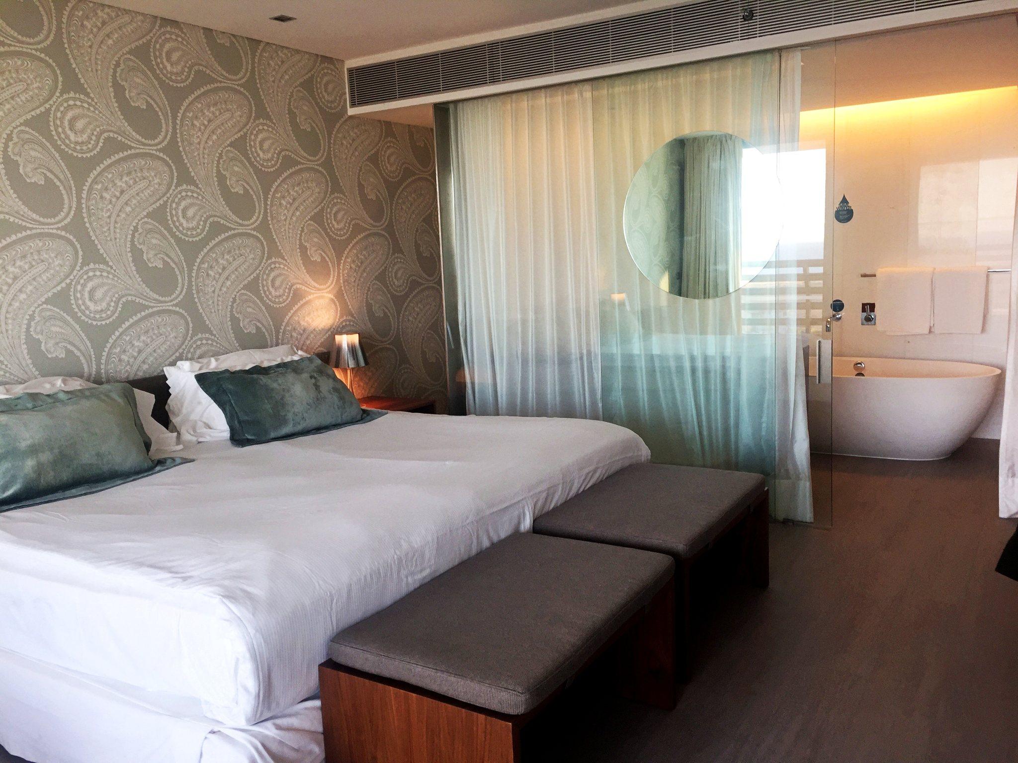 Quarto do Troia Design Hotel, na península de Tróia. Foto de Diogo Pereira