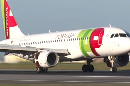 Avião A320 Neo da TAP na pista do aeroporto