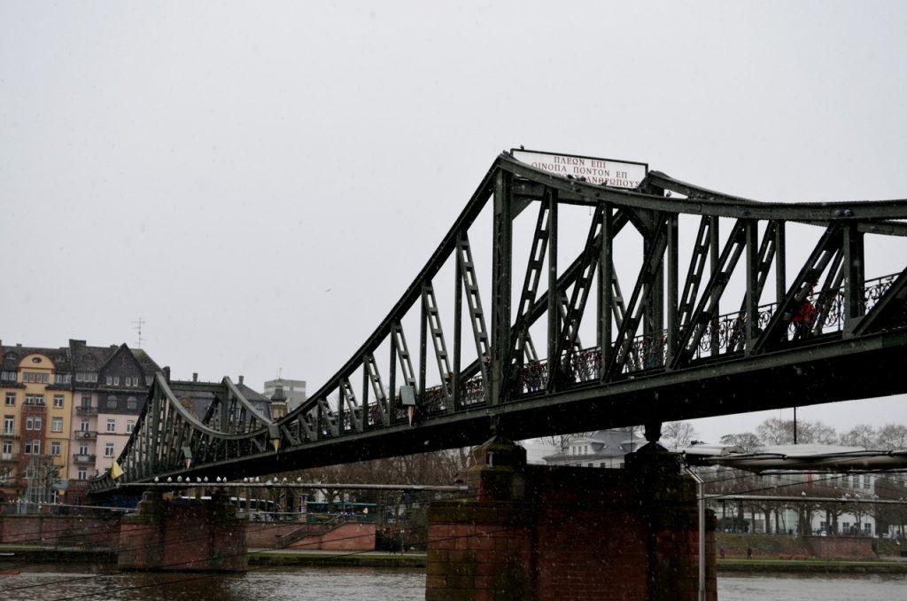 Ponte de Ferro de Frankfurt, na Alemanha. Foto de Diogo Pereira