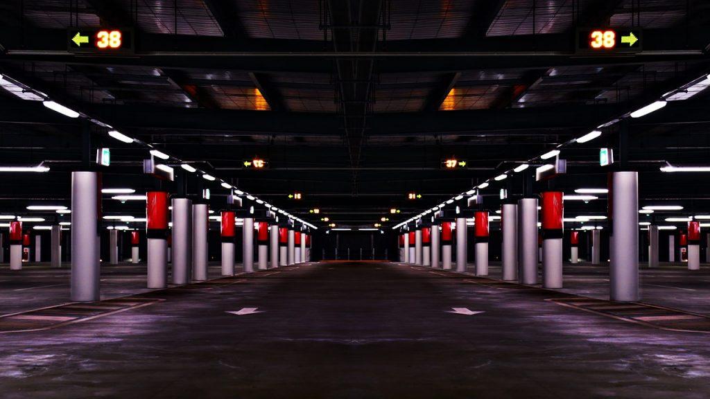parque de estacionamento - pixabay