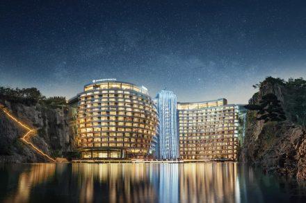 InterContinental Shanghai Wonderland hotel construido numa pedreira abandonada na China