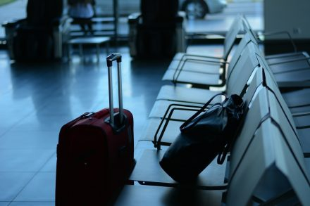 aeroporto sala de espera bagagem - pixabay