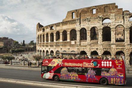 autocarro turistico em roma foto de divulgação