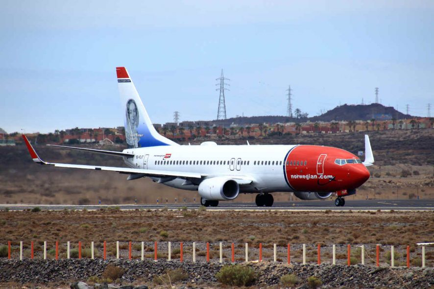 Avião Boeing 737-800 da Norwegian Air no aeroporto. Foto de Lasse B. Flickr
