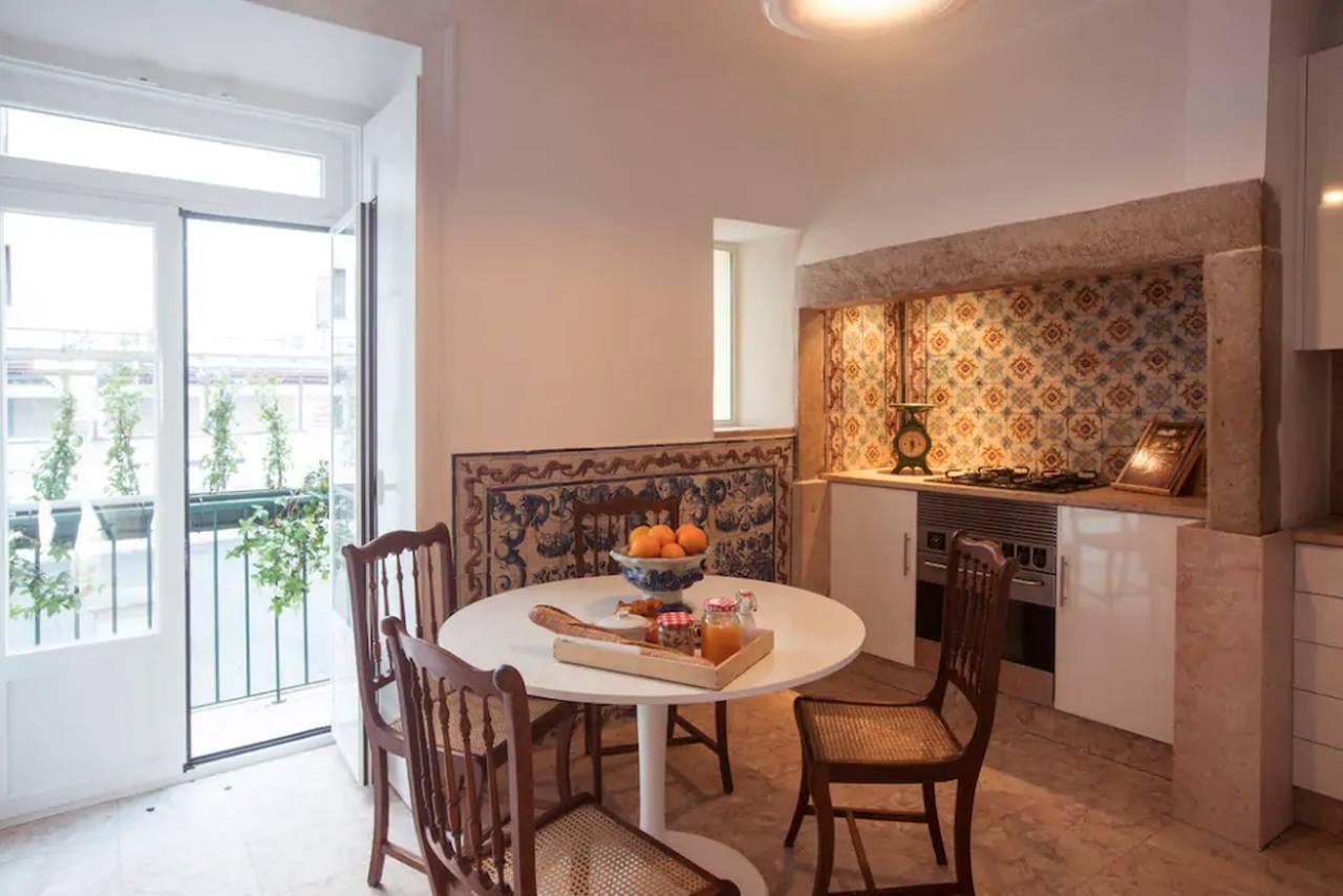 Cozinha da Casa onde viveu Fernando Pessoa no número 17 da Rua de São Bento