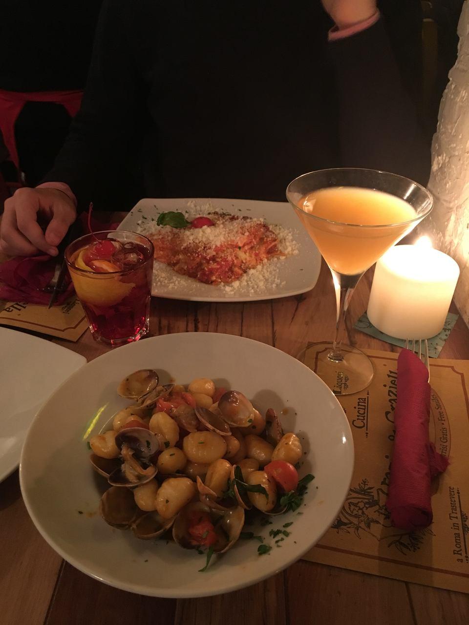 Lasanha e Gnochi no restaurante em Roma Grazia Graziella. Foto de Inês Marques