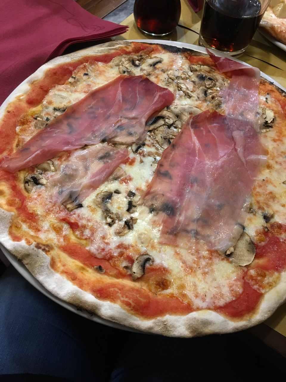 Pizza na Navona Notte em Roma. Foto de Inês Marques