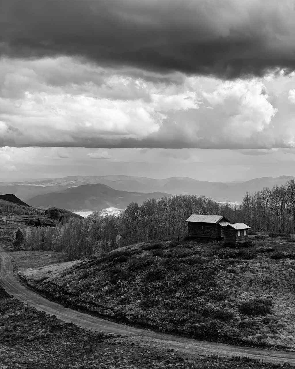 Paisagem a preto e branco. Foto de Bernard Antolin Apple