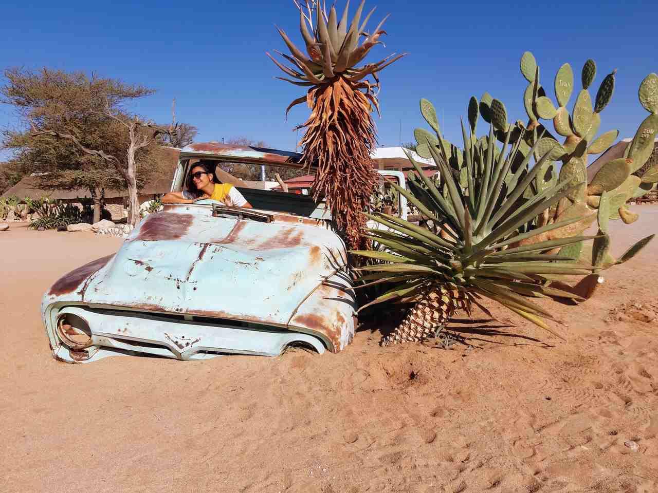 Carro abandonado em Solitaire na Namíbia. Foto de Rita Cerveira Martins