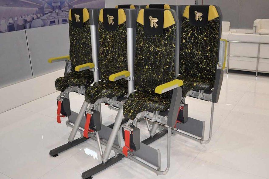 Protótipo de lugares em pé nos aviões desenvolvido pela Aviointeriores 1. Foto de Aviointeriores