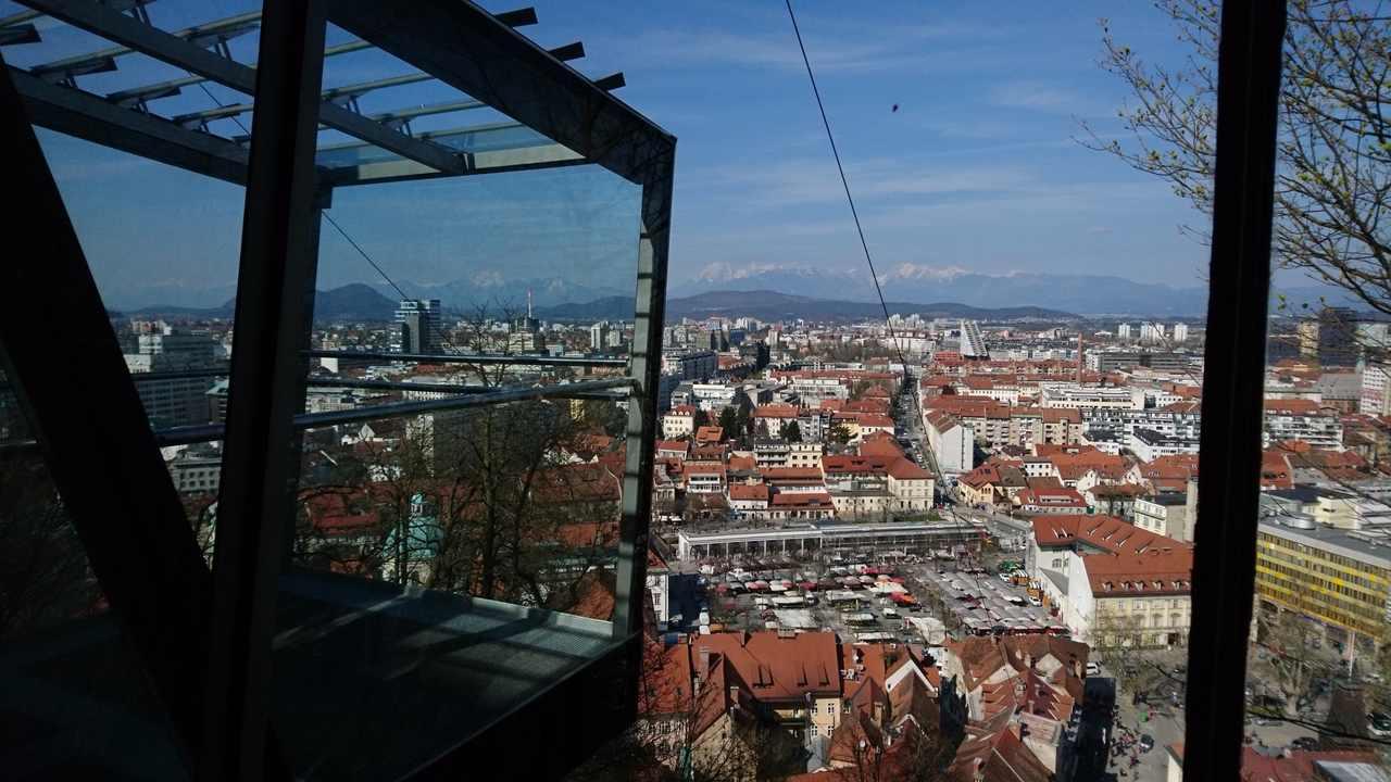 Vista da cidade de Ljubjana a partir do funicular do castelo. Foto de Marta Costa