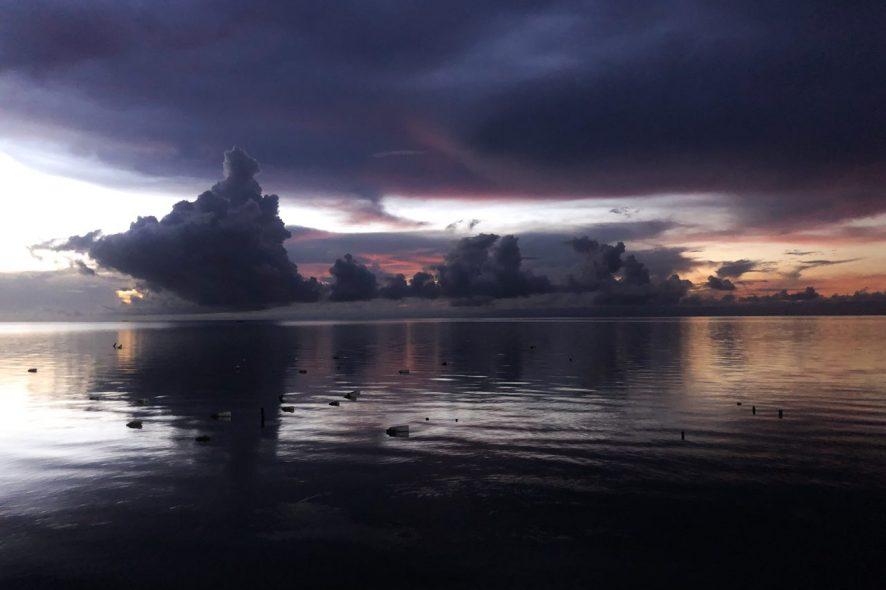 vista da praia de Ataúro em Timor Leste. Foto de Mariana Torres