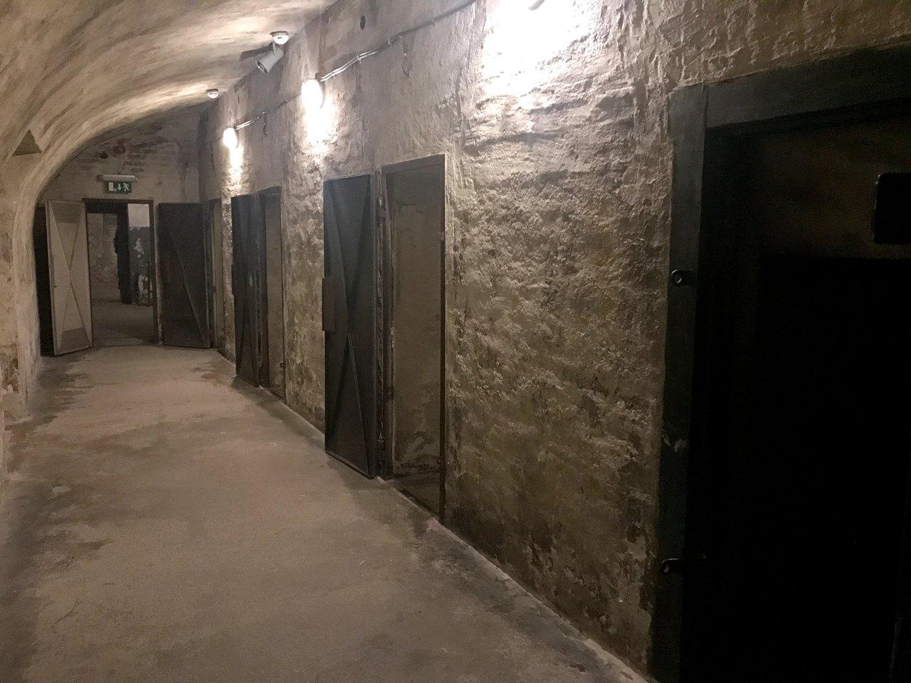 Celas na Casa do Terror de Budapeste. Foto de Diogo Pereira