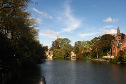 Vista do rio Dijver em Brugge na Bélgica. Foto de Cláudia Paiva