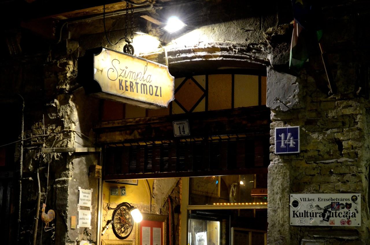 Bar Szimpla Ruin Bar em Budapeste Hungria