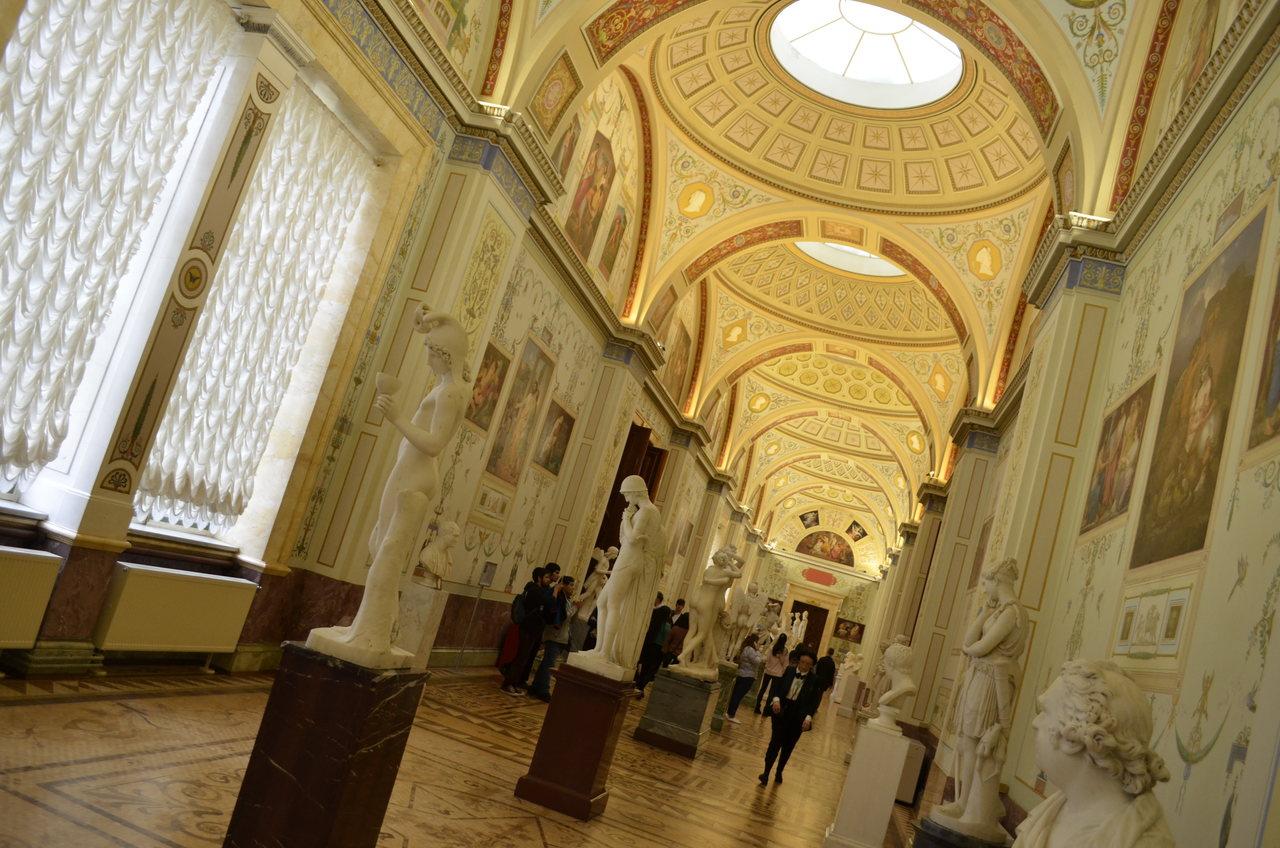 Sala interior do Hermitage em São Petresburgo
