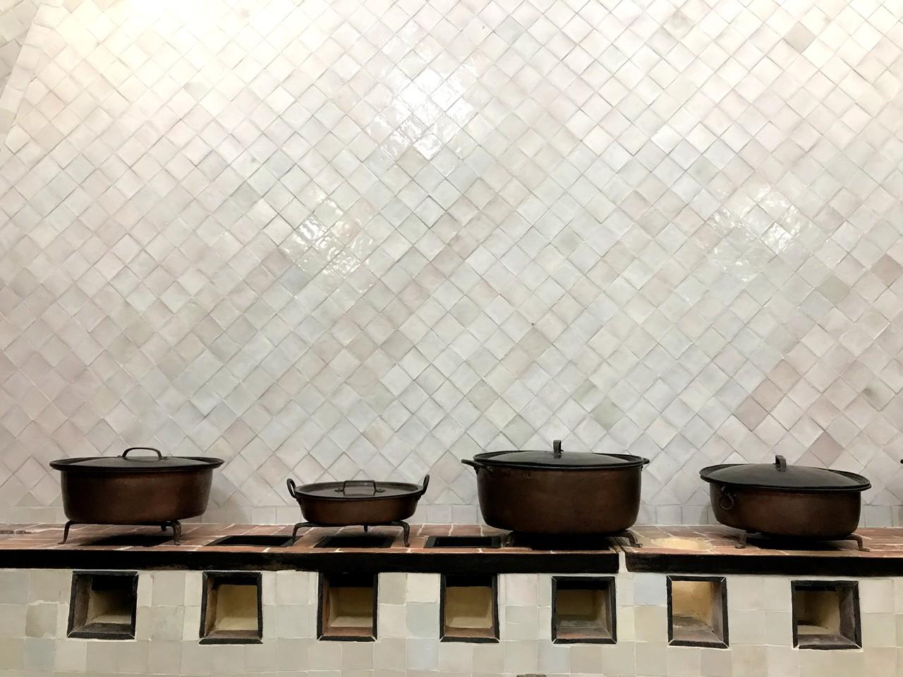 Panelas na cozinha do Palácio Nacional de Sintra
