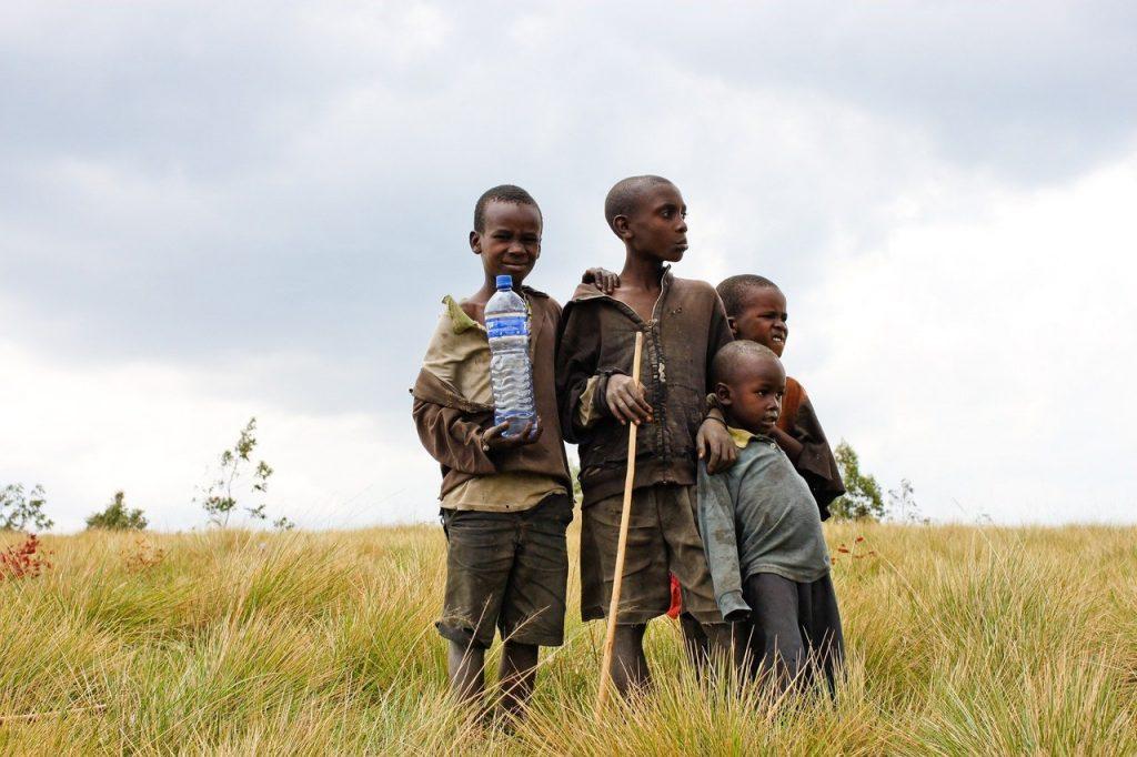 Crianças no Burundi. Foto de Pixabay