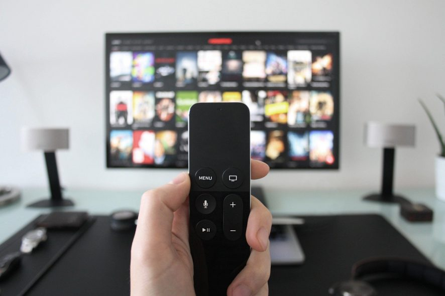 Comando apple tv televisão sala de estar