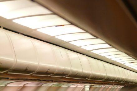 Bagageiras de avião. Foto de Pixabay