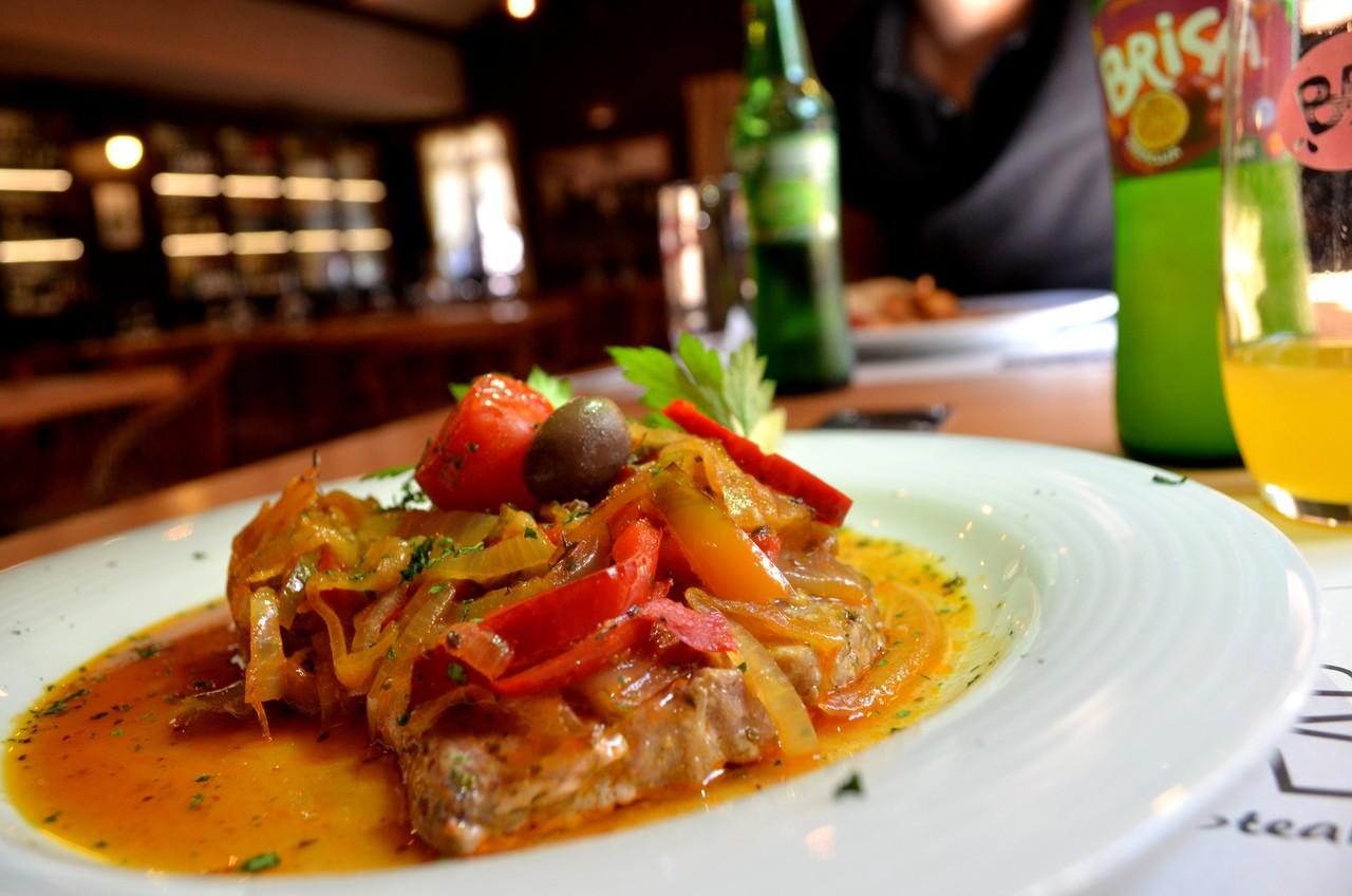 Atum servido no restaurante Abrigo do Poiso na Madeira