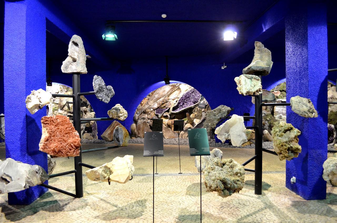 Exposição de Pedras preciosas no Museu Monte Palace na Madeira