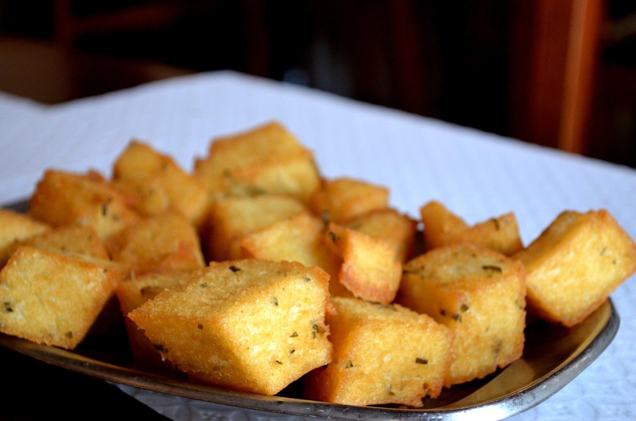 Milho Frito servido no restaurante As Vides, na Madeira