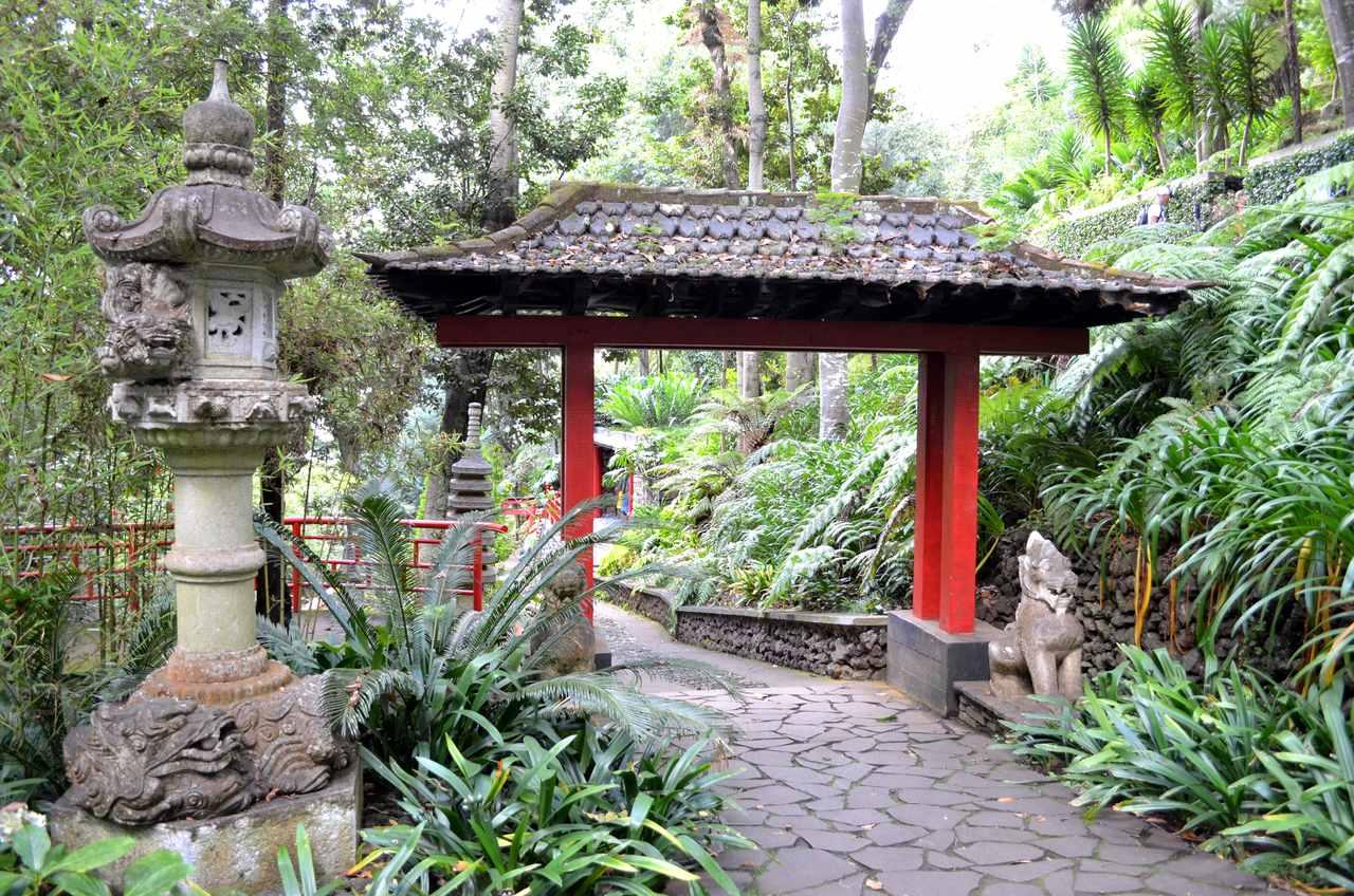 Pagode chinês no Jardim Tropical Monte Palace na Madeira