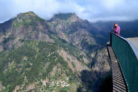 Vista para o vale do Curral das Freiras a partir do Miradouro da Eira do Serrado na Madeira