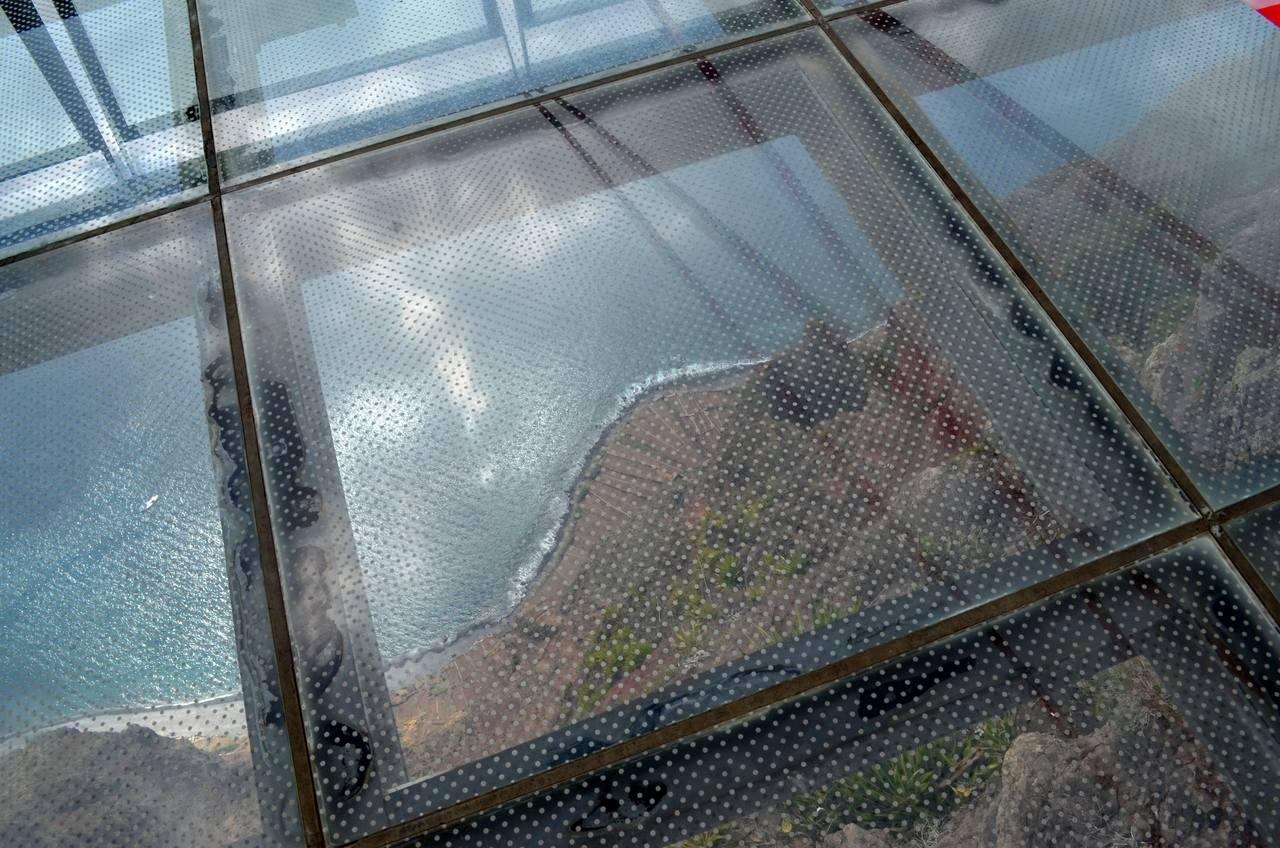 Chão de vidro do Miradouro do Cabo Girão na Madeira