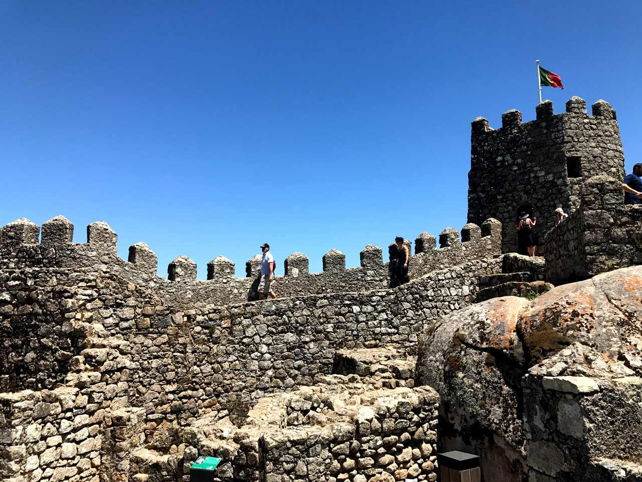 Muralhas do Castelo dos Mouros em Sintra