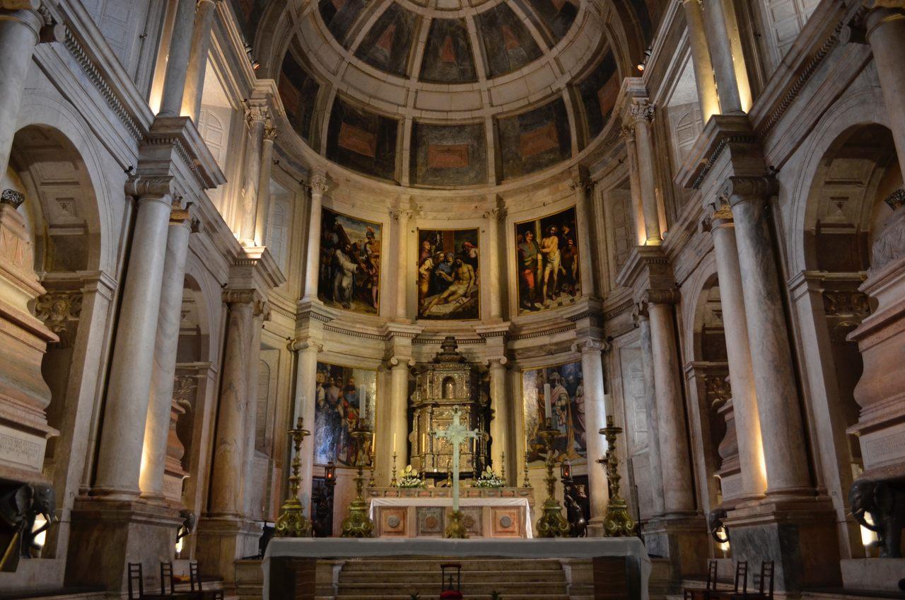Altar do Mosteiro dos Jerónimos em Lisboa