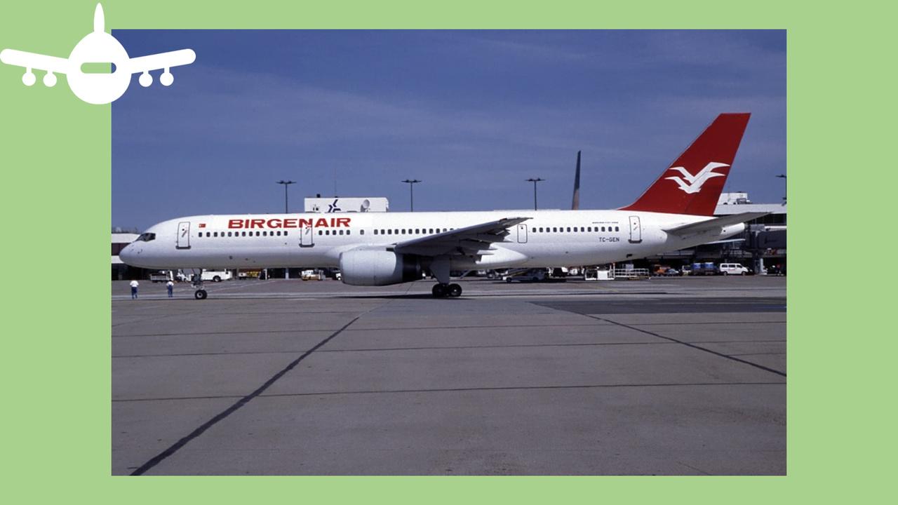Boeing 757 da Birgenair que caiu depois de ter partido da República Dominicana em 1996 fotografado no aeroporto de Schoenefeld em Berlim. Foto de Lutz Schönfeld