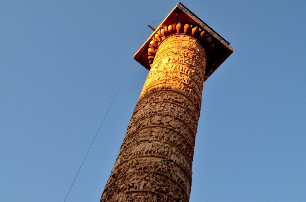 Coluna Antonina em Roma Itália