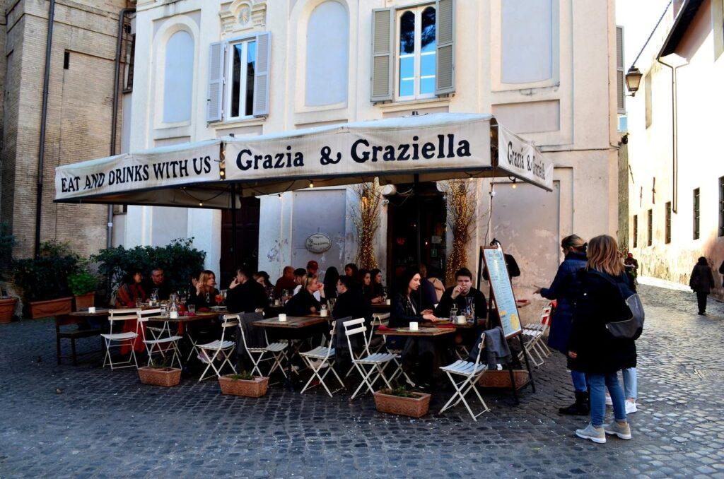 Esplanada do Grazia Graziella em Roma Itália
