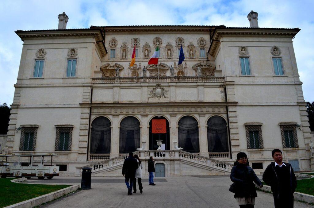 Fachada da Galleria Borghese em Roma ItáliaJPG