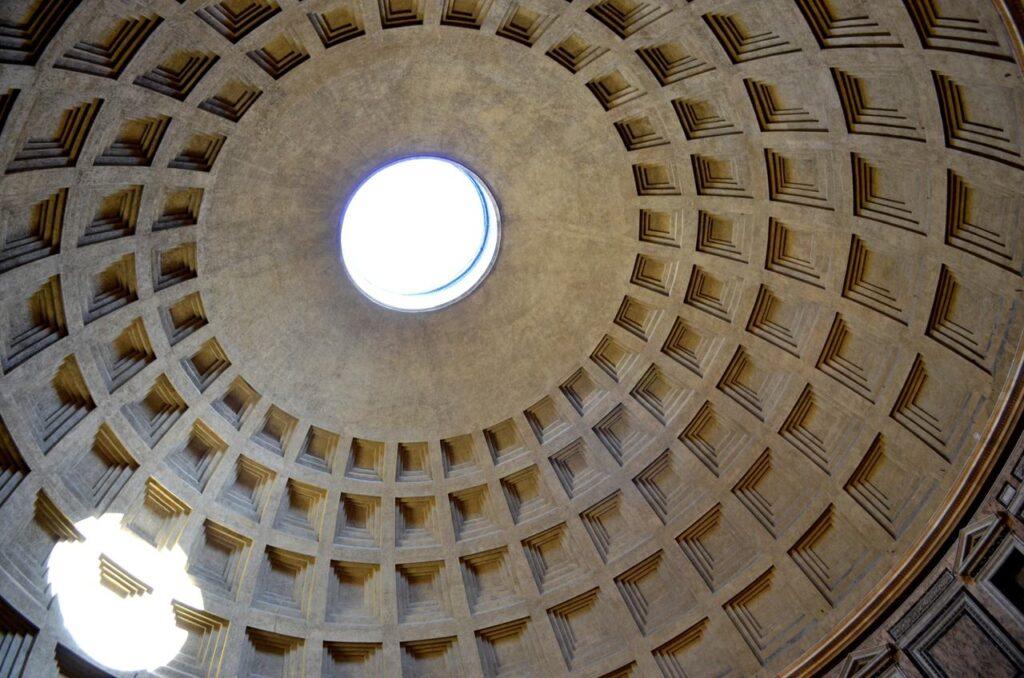Cúpula e óculo do Panteão de Roma Itália