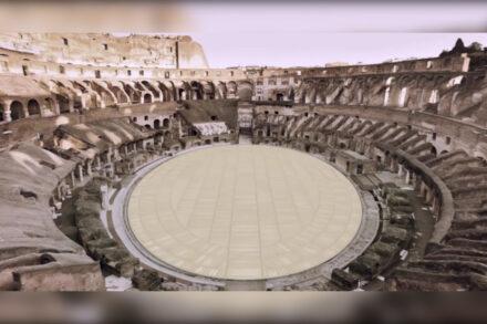 Pavimento na arena do Coliseu de Roma