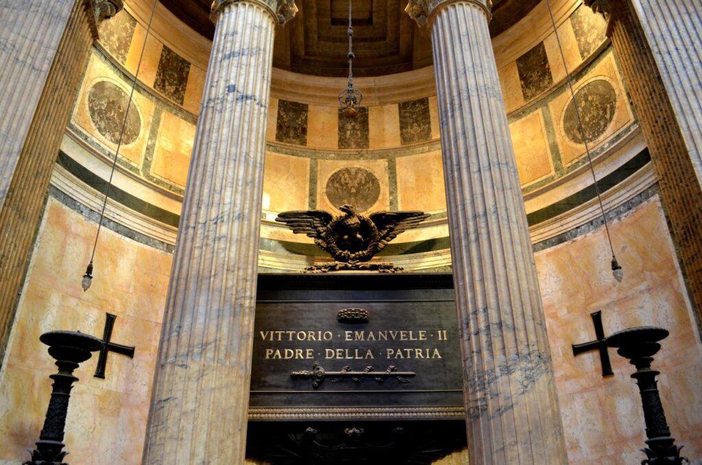 Tumulo de Vittorio Emanuele II no Panteão de Roma Itália