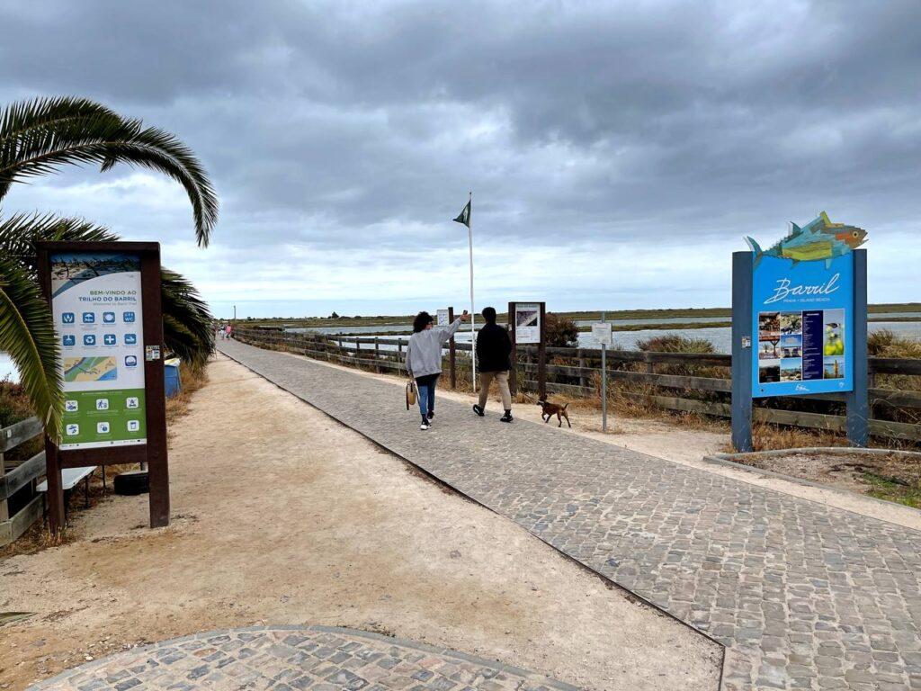 Acesso à Praia do Barril em Tavira