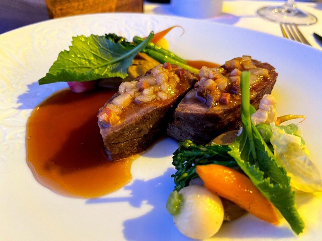 Carne de Porco com aromas de cozido à portuguesa servido no Restaurante A Ver Tavira
