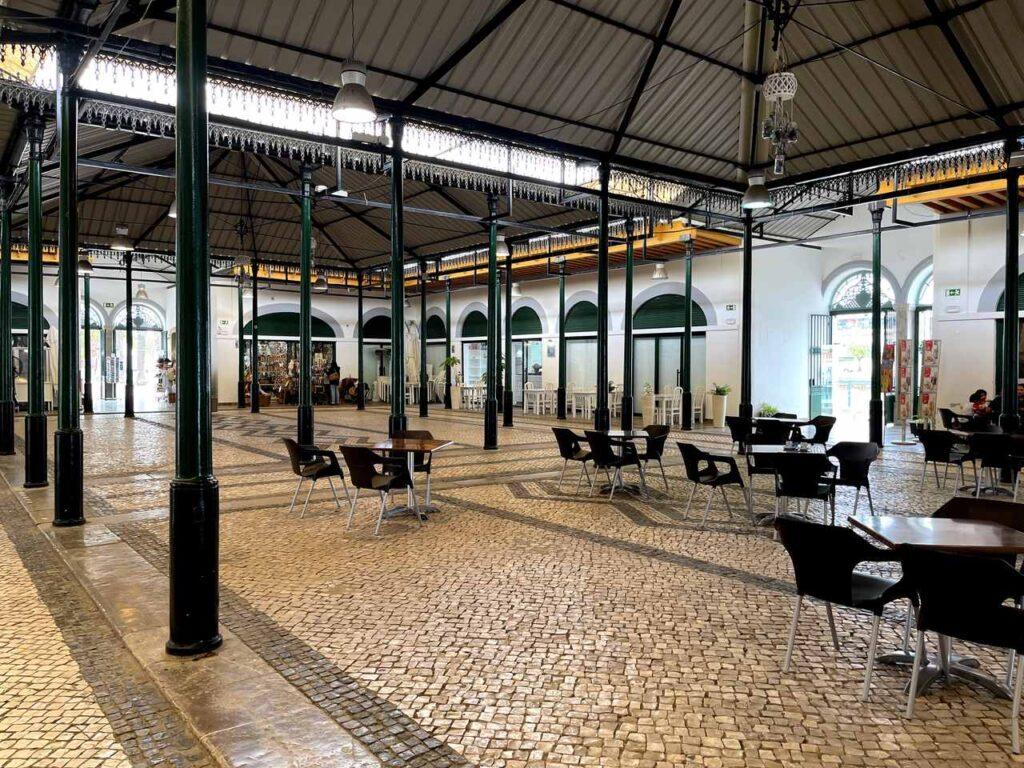 Interior do Mercado da Ribeira de Tavira