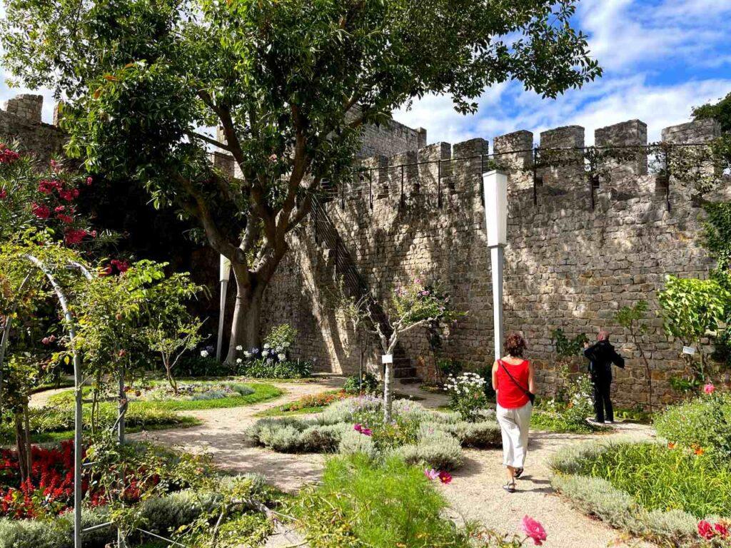Jardim dentro do Castelo de Tavira