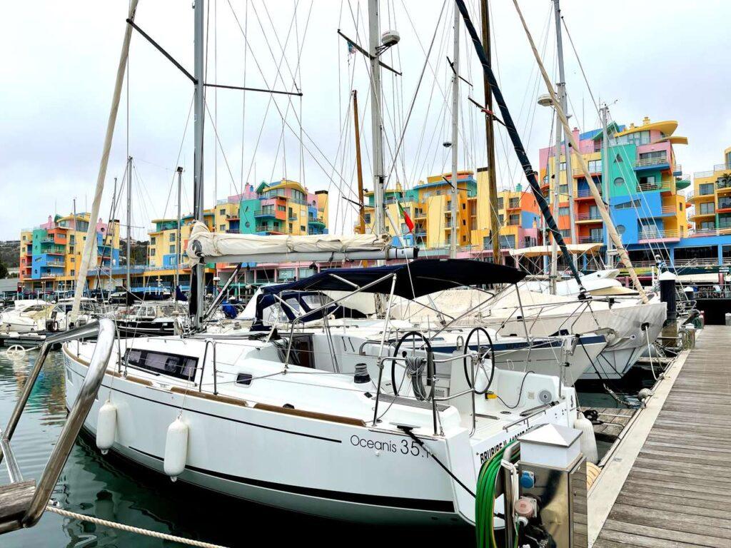 Barcos atracados na Marina de Albufeira