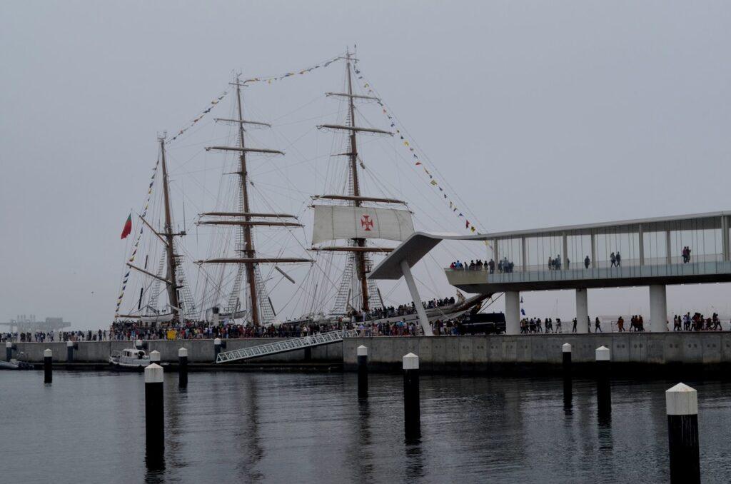Navio escola Sagres atracado no Porto de Leixões