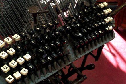 Teclado de máquina de escrever do Museu da Imprensa do Porto